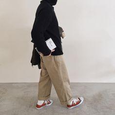 "Reposting @___ton_d: ... "" happy Valentine . ですがトン家は 家主が飲み会行ってます☺️爆 . . そして wearサボってます . knit : dholic men's pants : 古着 socks : yaeca shoes : converce coat : m64 coffee : oniyanma coffee . ID  ton_d""  Womenswear mode style outfit ootd tenue femme inspiration idée"