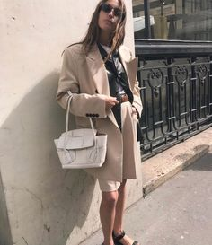 fall 2019 fashion trends Find out which fall 2019 trends already have these stylish French girls itching for the coming season. Girls Fall Fashion, Autumn Winter Fashion, Fashion Outfits, Fashion Images, Fashion Photo, Capsule Wardrobe 2018, Grunge Accessories, Chloe, Fashion Forecasting