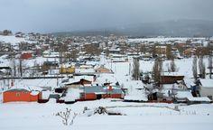 Kar yağışının etkili olduğu Doğu Anadolu Bölgesi-nde gece en düşük hava sıcaklığı, sıfırın altında 6 dereceyle Kars-ta ölçüldü. (Hüseyin DEMİRCİ - Anadolu Ajansı