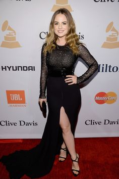 Ellie Goulding & Elle King Prep for Grammys at Clive Davis' Party: Photo Ellie Goulding and Elle King make their entrances on the red carpet at the 2016 Pre-Grammy Gala and Salute to Industry Icons on Sunday (February at the Beverly… Elle King, Jojo Levesque, Jojo Singer, Celebrity Feet, Celebrity Style, Wwe Girls, Ellie Goulding, Hot Brunette, Red Carpet Looks