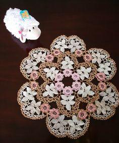 irish crochet lace   Irish Crochet Mat finished