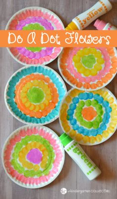 Do a dot flower - flower kid crafts - acraftylife.com #preschool #craftsforkids #crafts #kidscraft