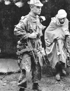 French paratrooper in Algeria (3ème RCP). The SMG is a french MAT-49, a very efficency weapon specially product for colonial conflicts. Pin by Paolo Marzioli