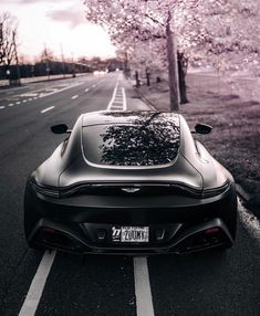 Aston Martin Vantage, Sexy Cars, Cars Motorcycles, Motors, Super Cars, Vehicles, Animals, Beautiful, Animales