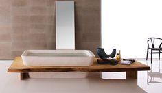 Badewanne in Holz eingelassen