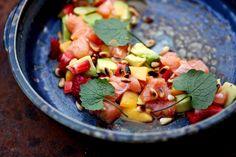 Sommersalat! Mit Mango, Avocado und Lachs