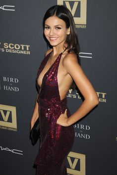 Victoria Justice: Sexy anyway you look at her! Victoria Justice Age, Victoria Justice Outfits, Beautiful Celebrities, Gorgeous Women, Vicky Justice, Victorious Justice, Taylor Alesia, Jenifer Aniston, Sexy Dresses