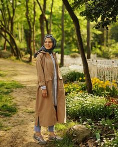 ✔ Travel Outfit Summer Modest ✔ Travel Outfit Summer Modest ✔ Travel Out Hijab Casual, Hijab Chic, Hijab Outfit, Travel Outfit Summer, Summer Outfits, Summer Travel, Modest Fashion, Hijab Fashion, Muslim Beauty
