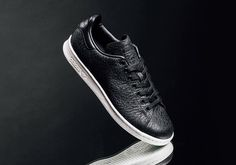 adidas Originals Drops a Tumbled Leather Stan Smith: A clean black and white colorway allows the construction to shine. Stan Smith Sneakers, Adidas Stan Smith, Toms Shoes For Men, Minimalist Sneakers, Papa Francisco, Classic Sneakers, Quilted Leather, Clothes Horse, Leather Sneakers