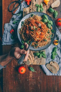 Spaghetti Bolognese, Vegan Spaghetti, Bolo Vegan, Food Challenge, Diy Food, Nom Nom, Vegan Recipes, Food And Drink, Vegetarian Recipes