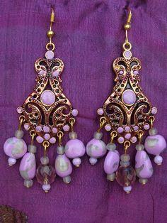 Boucles d'oreille style indien / oriental mauve par MesOdalisques, €15.00