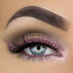 Delineado rosa. #TrendAlert #Pink #Eyes