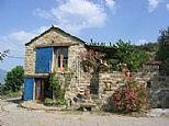 Located at Banastón Usana, near Aínsa.  A 1-bedroom cottage rents for 350 - 530 Euros/wk.