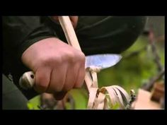 Ray Mears Demonstrations - Feather Sticks  http://prepperhub.org/feather-sticks/