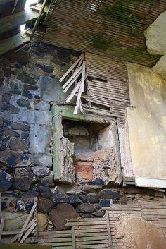 Abandoned coal mine in Fife, Scotland by Hercio Dias