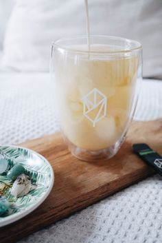 An Ode To Tea (Crystals) + Green Tea Smoothie Recipe + GIVEAWAY | Breakfast Criminals