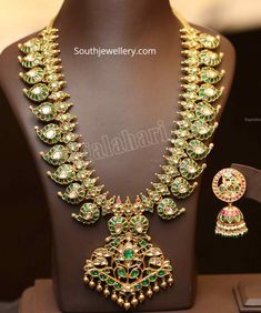 Indian Jewellery Design, Antique Jewellery, Jewellery Designs, Indian Jewelry, Diamond Necklaces, Gold Necklaces, Diamond Jewellery, Mango Mala Jewellery, Temple Jewellery