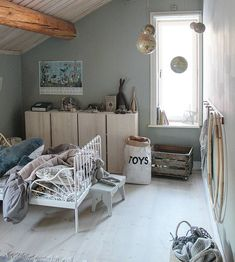 Obtain motivated with ideas and also images of youngsters's rooms to revitalize or re-create your residence. Here we offer countless design suggestions for each and every area in each style.