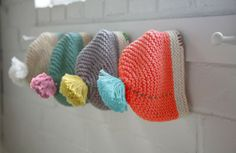 A knitting and crocheting blog en Español? Be still, my beating corazon!! via Las Teje y Maneje