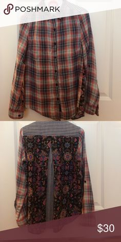 Tolani Top Flannel, checker and floral print! Worn twice and dry cleaned. No stains, rips, or tears! Size XS tolani Tops Button Down Shirts