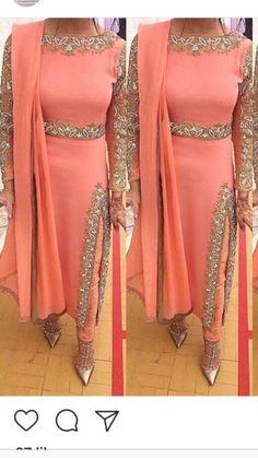 Punjabi Fashion, Abaya Fashion, Indian Fashion, Fashion Dresses, Ethnic Fashion, Women's Fashion, Patiala Suit Designs, Kurti Designs Party Wear, Saree Dress
