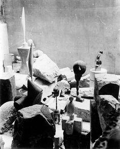 Constantin Brancusi's studio at 8 impasse Ronsin, Paris, c. 1923–4. Photo by Constantin Brancusi.