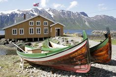 Fisheries have shaped daily life, as well as the history of the people along the coast of Northern Norway. Hemmestadbrygga, Kvæfjord. Photo: Sør-Troms Museum / www.nordnorge.com/en/coastal-culture.