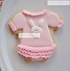 Baby shower cookie. Love the frills :)