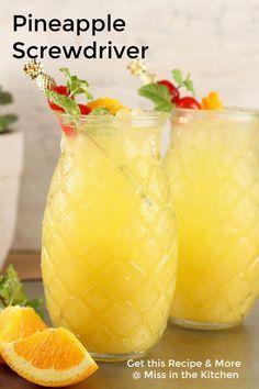 Fruity Cocktails, Frozen Cocktails, Easy Cocktails, Cocktail Drinks, Cocktail Recipes, Summer Cocktails, Liquor Drinks, Margarita Recipes, Alcoholic Beverages