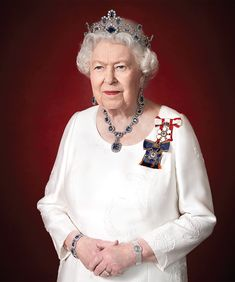 See Queen Elizabeth's New Official Portrait (Her First Tiara Moment in Months!)