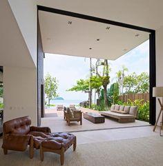 Arthur-Casas-Studio-The-Baleia-House-front-porch-.jpg 625×640 pixels