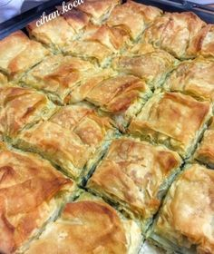 Spanakopita Pie with Imported Mizithra Cheese Turkish Pastry Recipe, Turkish Recipes, Ethnic Recipes, Pastry Recipes, Cooking Recipes, Burek Recipe, Mizithra Cheese, Savory Pastry, Pastry Cake