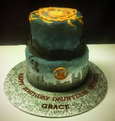 Divergent Cake for my Dauntless Initiate made by the ever talented team at Airdrie's Avenue Cakery Bakeshop. This is the cake I designed had made for Grace's Birthday. Divergent Cake, Divergent Birthday, Divergent Party, Divergent Insurgent Allegiant, Divergent Series, Dauntless Cake, Special Birthday Cakes, Birthday Celebration, Percy Jackson