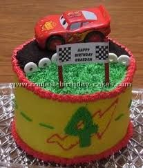 Round cake with Lightening McQueen car  topper