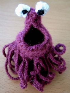 Now I have a reason to learn to crochet! Yip-yip-yip-yip! How to Crochet a yip-yip alien.
