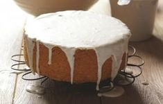 Ozdobné polevy na dort | Apetitonline.cz Vanilla Cake, Camembert Cheese, Fondant, Cheesecake, Pudding, Cookies, Desserts, Crack Crackers, Tailgate Desserts