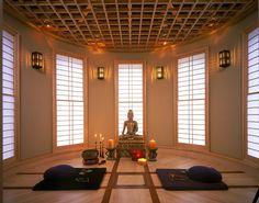 Zen design pour cette pièce à méditer influencée par les religions d'Extrême Orient