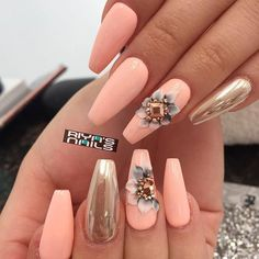 Some of you may still think that rhinestones nail perfection is not for everyone – we are here to prove you wrong! The list of ideas with the involvement of rhinestones is limitless! #naildesigns #nailsart #beautynails