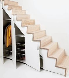 Schlafgalerie Treppe Andreas B. Schlafgalerie Treppe Andreas B. The post Schlafgalerie Treppe Andreas B. appeared first on Stauraum ideen. Staircase Storage, Stair Storage, Staircase Design, Stair Design, Stairs With Storage, Closet Storage, Staircase Ideas, Small Space Staircase, Ladder Storage