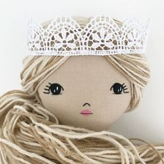 Kate: I like the eyes and the crown...