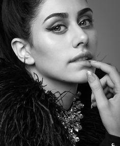 Instagram post by WARINA HUSSAIN • Dec 30, 2018 at 11:39am UTC Beautiful Bollywood Actress, Beautiful Indian Actress, Beautiful Actresses, Star Actress, Becoming An Actress, Celebrity Biographies, Twitter Image, Hottest Photos, Hd Photos