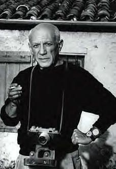 "Yes that's right, it IS Picasso and he DOES have a around his neck! How cool is that! :D ""I have discovered photography, now I can die"" -Pablo Picasso Pablo Picasso, Picasso Art, Georges Braque, Prado, Famous Artists, Great Artists, Francoise Gilot, Foto Poster, Gisele Bündchen"