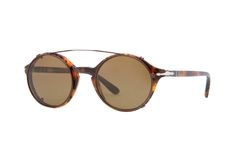 """This season, Persol has a mini-series features two new acetate frames with prescription lenses and sunglasses from the system """"clip-on"""". Vintage inspired design, rounded or less, offere…"""