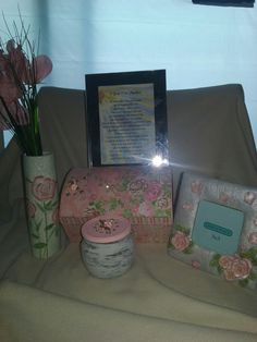 A beautiful 5 piece rose theme collection. Rose Vase, Rose Pictures, Keepsake Boxes, Picture Frames, Candle Holders, Anniversary, Tote Bag, Birthday, Beautiful