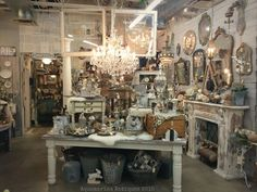 For those in Phoenix - Rustic Luxe show at Sweet Salvage in Phoenix, AZ. February Design vignette by Myko Bocek of Aquamarina Antiques. Antique Store Displays, Flea Market Displays, Vintage Display, Flea Markets, Vintage Decor, Antique Booth Ideas, Antique Mall Booth, Antique Market, Antique Stores