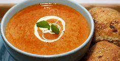 Gulrotsuppe med ingefær. Lag med søtpotet isteden for vanlig potet for rik og fyldig smak!
