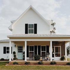 The farmhouse that @brittanyork built is my favorite!  Ever. The outside. The inside. So cute and fun and family friendly. It makes me happy every time I see it. #love #fave #instagood #inspo #awesome #homedesign #exterior #homeexterior #home #farmhouse #farmhousestyle