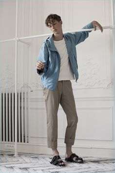 Men's retailer oki-ni travels to Paris for its latest Styled editorial. Visiting the Parisian atelier of Maison Margiela, oki-ni puts the spotlight on the fashion house's pre-spring 2017 collection. Photographer Lou Rolley links up with stylist Samuel Smith for the special occasion. Embracing a nonchalant mood, model Jean Lemersre stars in the spring story. Wearing... [Read More]