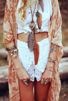 dreamers-house:  ☮༺♥༻~ Boho ~༺♥༻☮ | ☮~ Fashion Bohemia ~☮ | Pinterest on We Heart It.