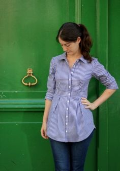 I tested the new pattern by Deer&Doe, the Bruyère Shirt. I made it in a striped cotton to make all the lines stand out. I love the way that this shirt is fitted at the waist, and the pleats in the skirt front and back!More on my blog: http://en.decoudvite.com/2014/08/bruyere/